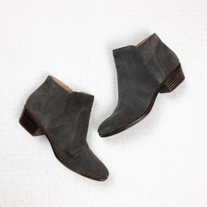 Lucky Brand Suede Breck Ankle Booties l brown